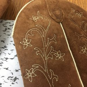 55613c4b32d Wolverine leather floral embroidered western boots